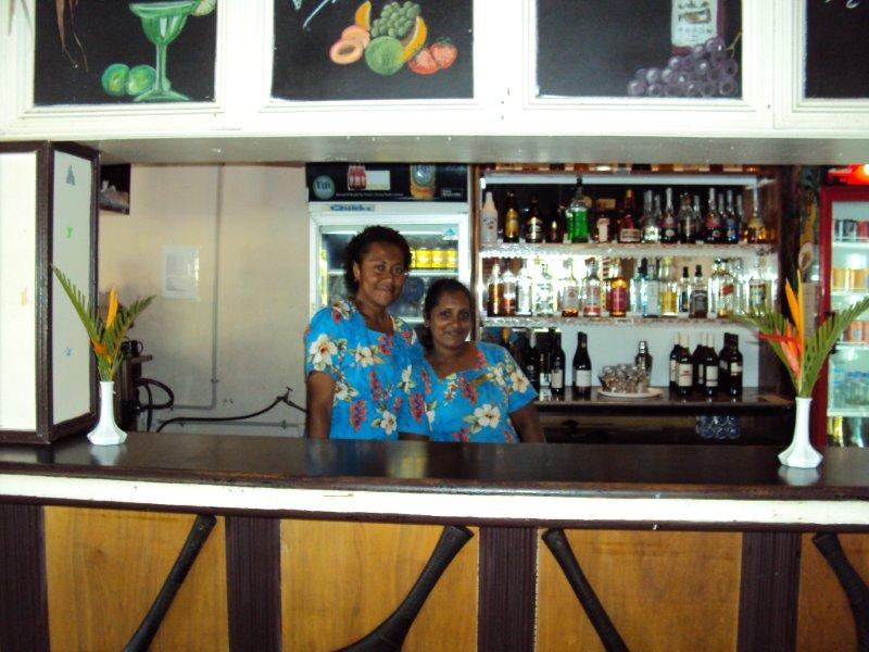 Gecko's Bar & Staff